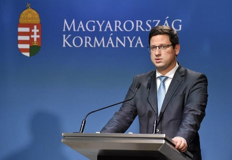 Gulyás Gergely: Magyarországon is szigoríthatnak