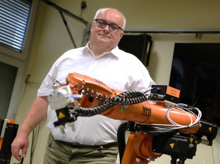 A debreceni mérnökképzés erősítése az új dékán fő feladata