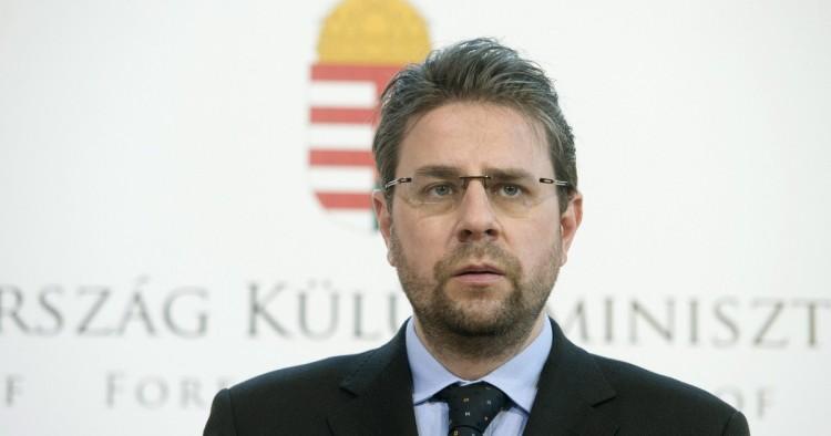 Egy év felfüggesztettet kapott a pedofíliával vádolt volt nagykövet, Kaleta Gábor