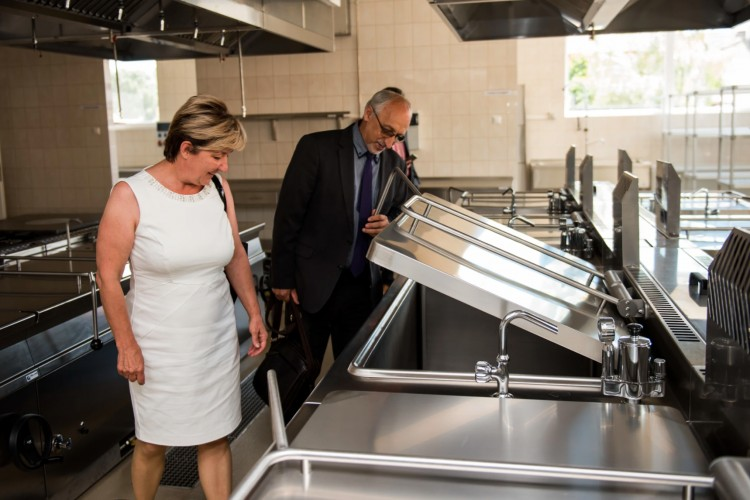A jövő konyháját nyitották meg Tégláson