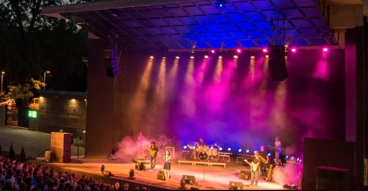 Ingyen lehet utazni a debreceni nyári színházba