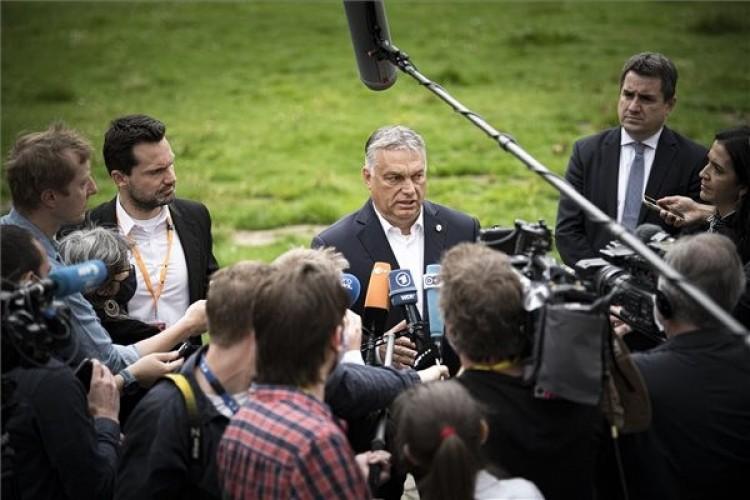 Orbán: a holland miniszterelnök durván támadja Magyarországot