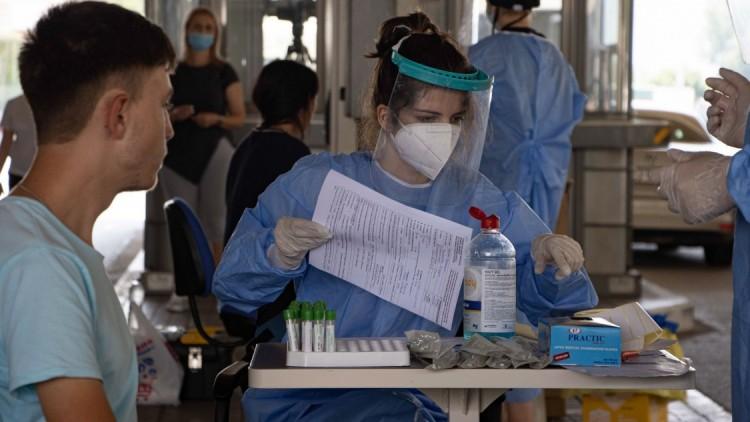 Újabb rekord dőlt meg Romániában: 777 beteg egy nap alatt