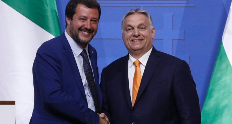 Megvonták Salvini mentelmi jogát. Szijjártó szerint kitüntetést érdemelne