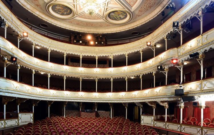 Sok-sok programmal búcsúztatják a debreceni színházat