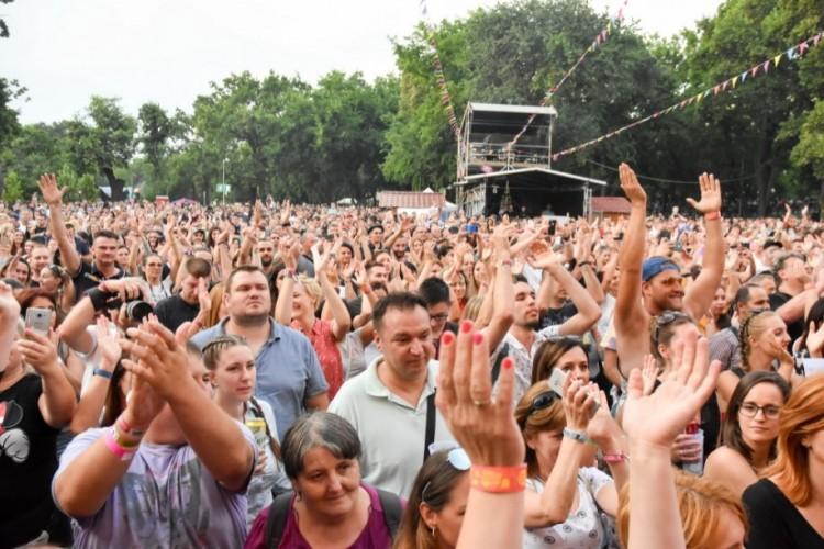 Tönkre akarják tenni a fesztiválpiacot - így Gyurcsány