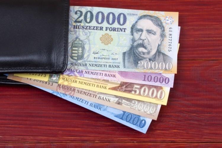 Emelkednek a bérek a Magyar Postánál