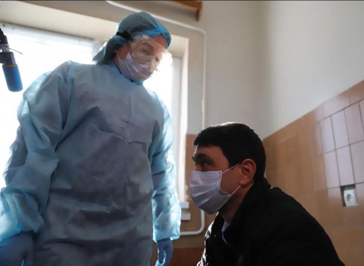 Napi 1200 új fertőzött Ukrajnában és Romániában is