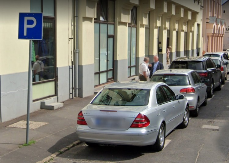 Így parkol Debrecen a négynapos ünnepen