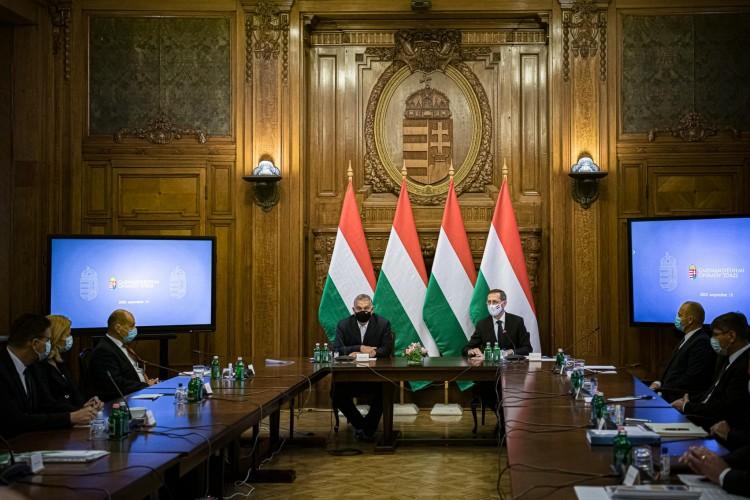 Sokakat érintő bejelentést tett a magyar kormányfő