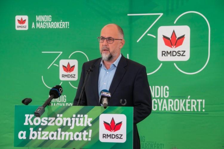 A liberálisok a magyarokkal is szövetkeznek a baloldal ellen