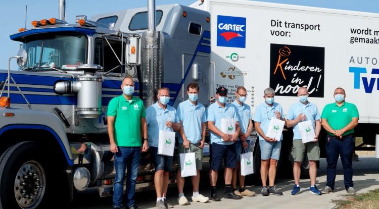 Holland adománnyokkal telti kamionok érkeztek Ebesre