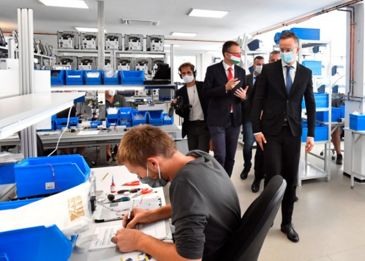 Elkészültek a Debrecenben is tesztelt magyar lélegeztetőgépek