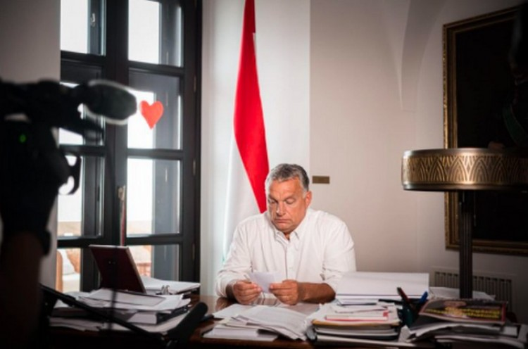 Orbán Viktor szigorításokat jelentett be