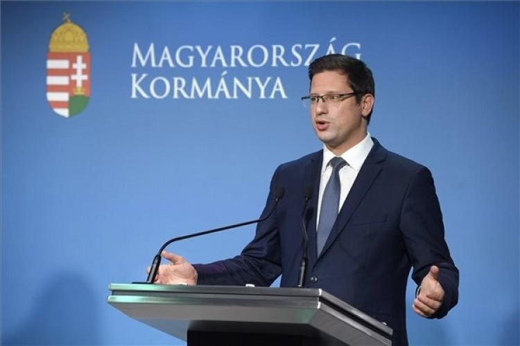 Kormányinfó: Magyarország 6,5 millió oltóanyaghoz juthat
