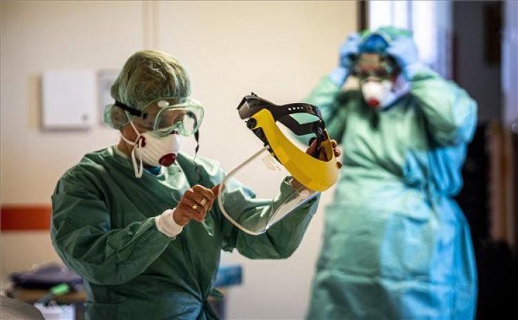 Koronavírus: újabb 950 fertőzött, meghalt 29 beteg