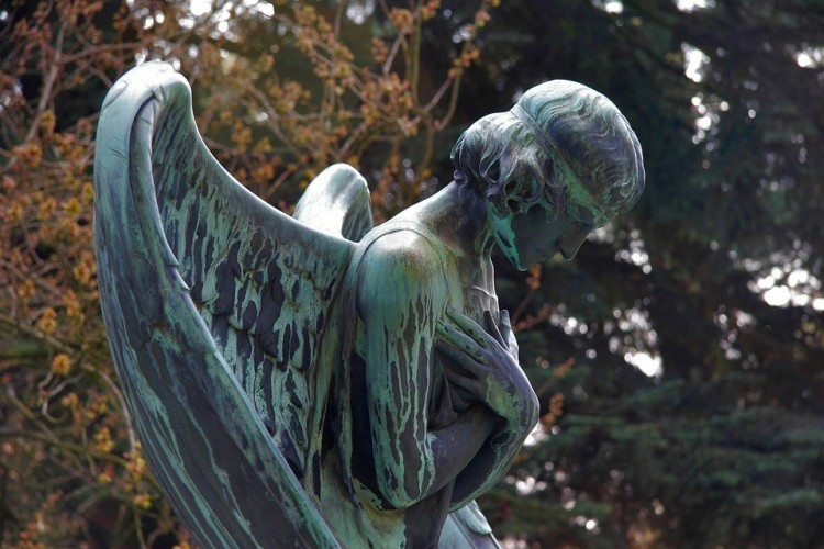 Szentmise a debreceni temetőben