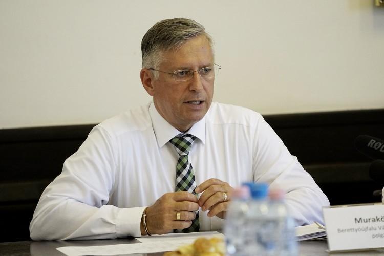 Favipiravirt is kapott a koronavírusos berettyóújfalui polgármester