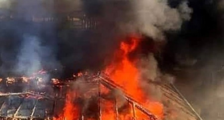 Lángolt a tető Debrecenben
