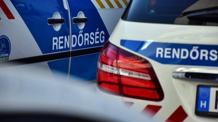Egy kocsi és egy kisteherautó ütközött Mikepércsnél