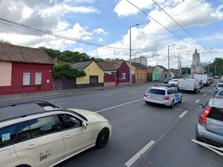 Kisebb akadály a Rakovszky utcán