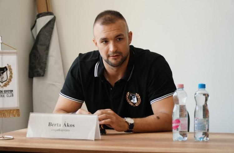 Debreceni 21-es: Berta Ákos, aki dunaújvárosi fradistából lett debreceni apa