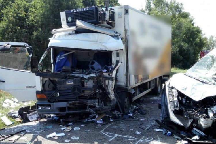 Befejezett ügy: a sofőr figyelmetlensége okozhatta a kabai halálos balesetet