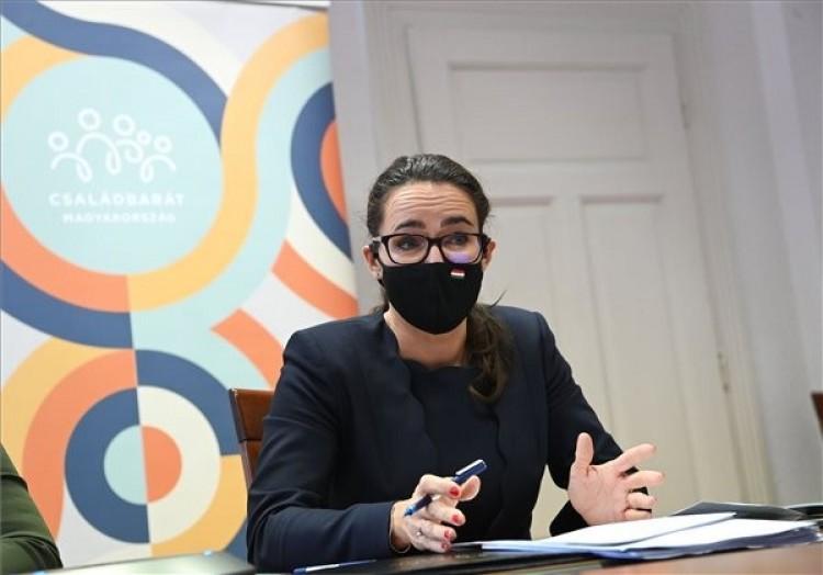 Novák Katalin újabb részleteket közölt az otthonfelújítási támogatásról
