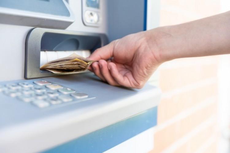 Hazavitte a hajdúszoboszlói ATM-ben talált pénzt – elítélték