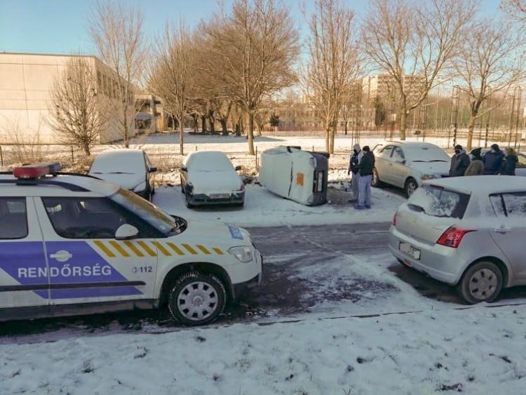 Az utóbbi idők legfurcsább parkolása Debrecenben