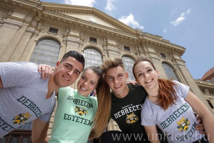 Egyre többen akarják a Debreceni Egyetemet