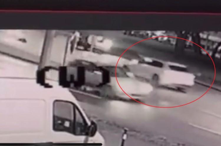 Halál: áthajtott egy autós egy férfin az Árpád téren