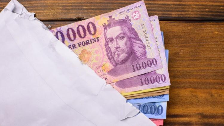 Bruttó 167 400 forintra emelkedhet a minimálbér