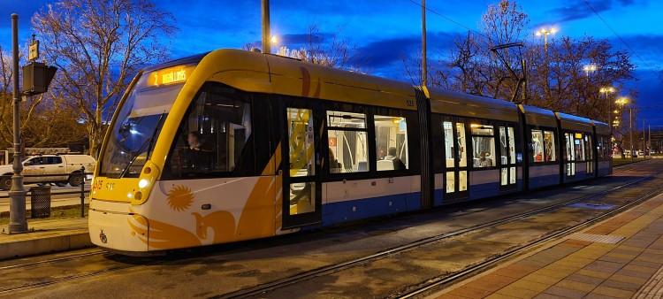 Fagyosak a vezetékek, nem járnak a villamosok Debrecenben