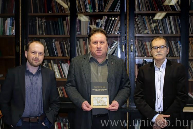 Nemzetközi tanulmánykötet jelent meg Trianonról