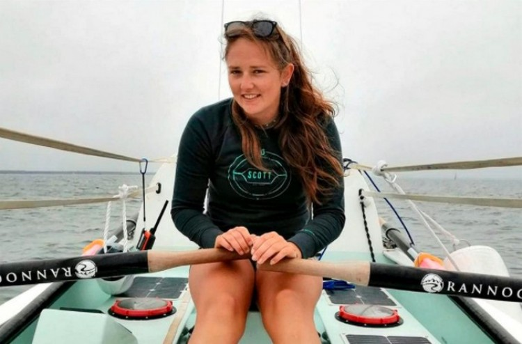 Egy 21 éves nő átevezte az Atlanti-óceánt