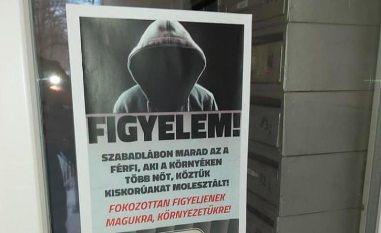 Plakátokkal figyelmeztetnek a szexuális ragadozóra Debrecenben