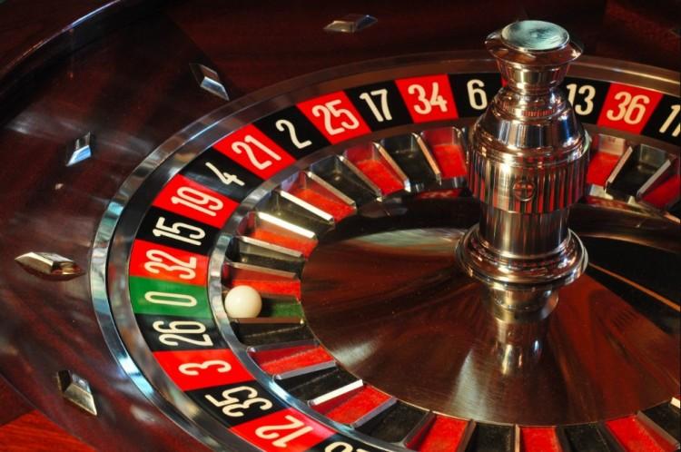 A kaszinók bezárását kezdeményezi az LMP
