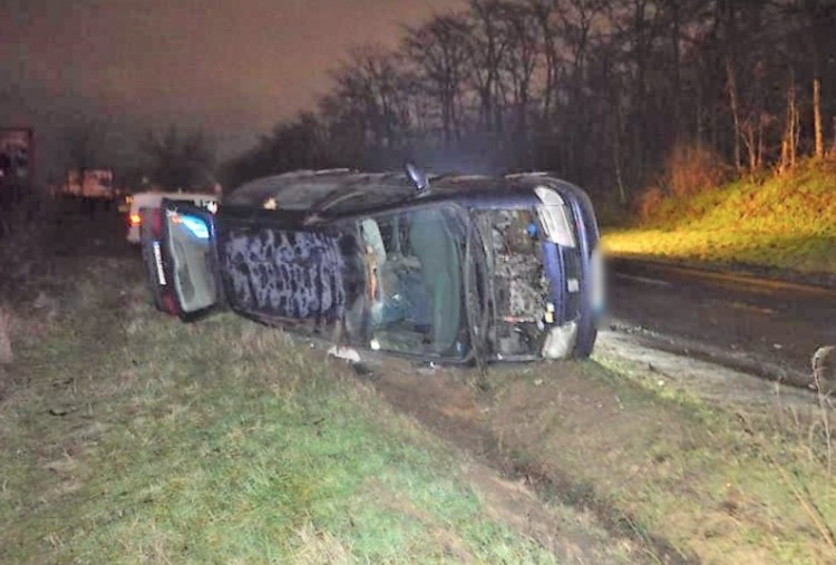 Részegen borulhatott fel egy autós a Diószegi úton
