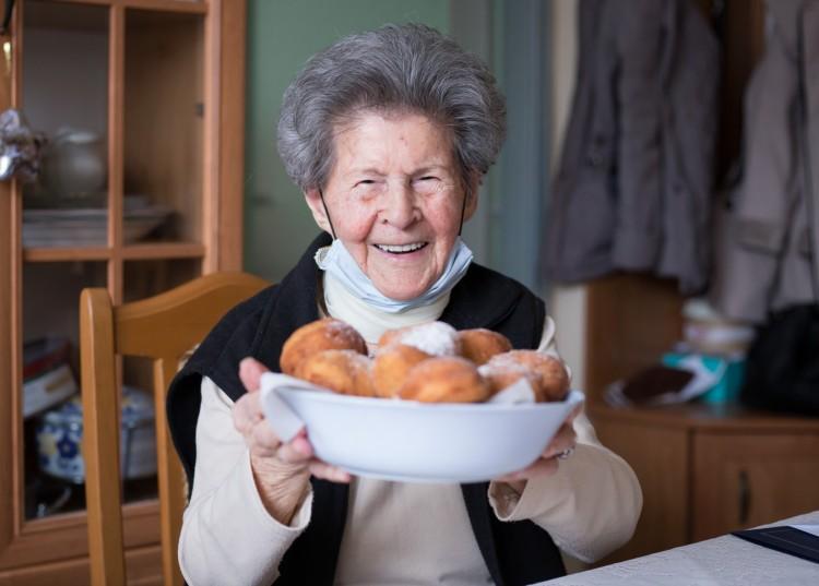 102 éves debreceni hölgyet köszöntöttek