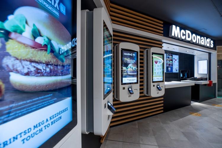 Új szendvicsekkel vár a McDonald's a Debrecen Plazában
