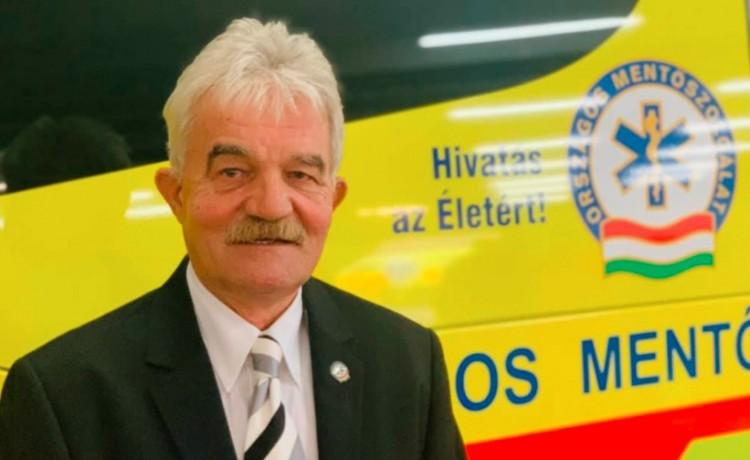 Országos ölelés a nyugdíjba vonuló debreceni legendának