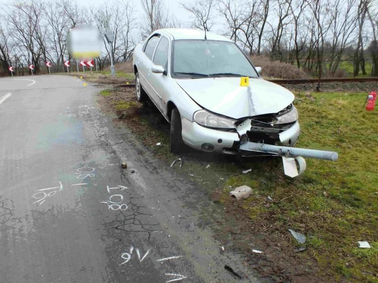 Őrizetbe vették a kornyári autóst, aki nem is ülhetett volna volán mögé