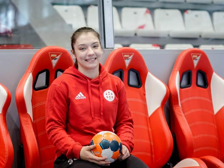Ózdi lány irányít Debrecenben