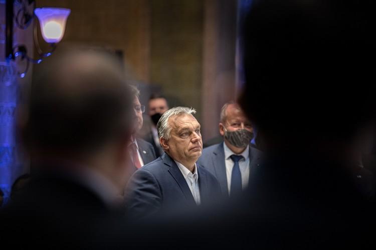 Eldőlt, a Fidesz elhagyja az Európai Néppártot