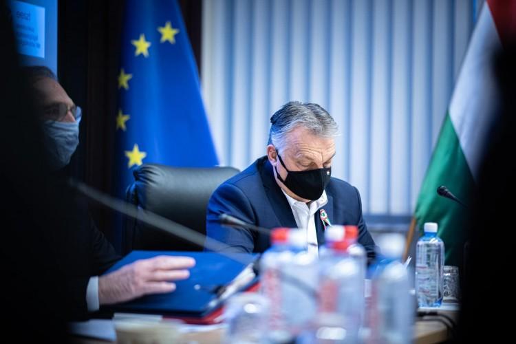 Orbán: egy hétig biztosan maradnak a jelenlegi korlátozások