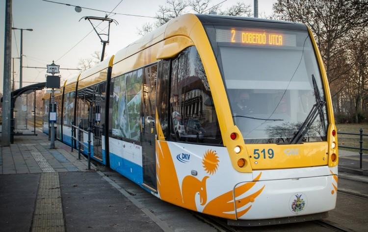 Figyelje a menetrendet Debrecenben