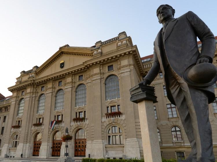 A Debreceni Egyetem sem volt fukar az elismerésekkel