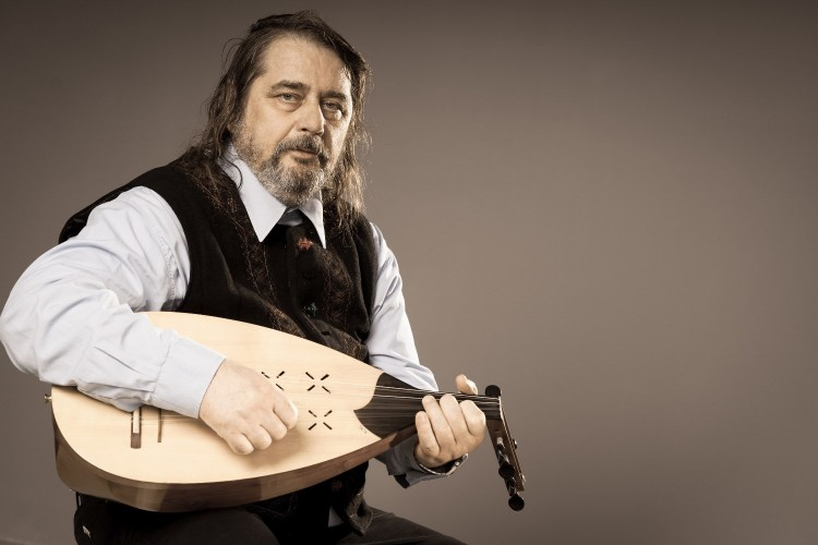 Elhunyt Dinnyés József zeneszerző
