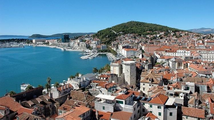 Kinyitottak a vendéglátóhelyek teraszai Horvátországban